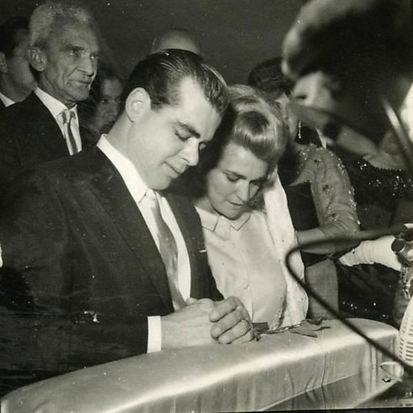Cerimônia de casamento de Hebe Camargo com Décio Capuano (1964)