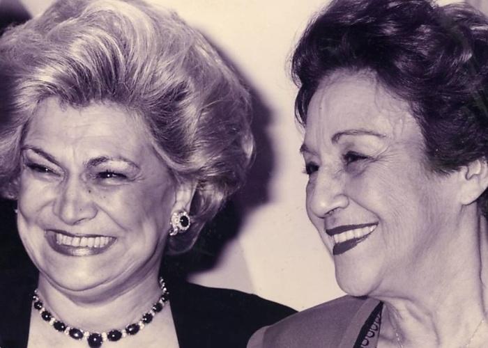 Hebe Camargo e a atriz Nair Belo na festa de aniversário de Nilton Travesso (1994)