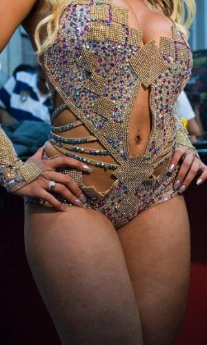"""Declarada """"musa do periguetismo"""", a funkeira Renata Frisson, a Mulher Melão, foi coroada """"Rainha das Periguetes"""", durante festa no Teatro Orion (SP), nesta sexta-feira (5/10/12). """"Periguete é uma mulher bem resolvida, sensual, fogosa e que gosta muito de sexo"""", disse a rainha."""