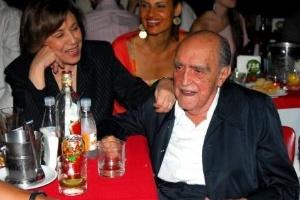 Jan.2007 - Recém-casados, Vera e Oscar prestigiam show de Chico Buarque
