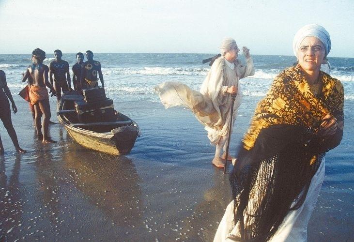 """Marieta Severo em cena do filme """"Carlota Joaquina - Princesa do Brasil"""" (1995), com direção de Carla Camurati"""