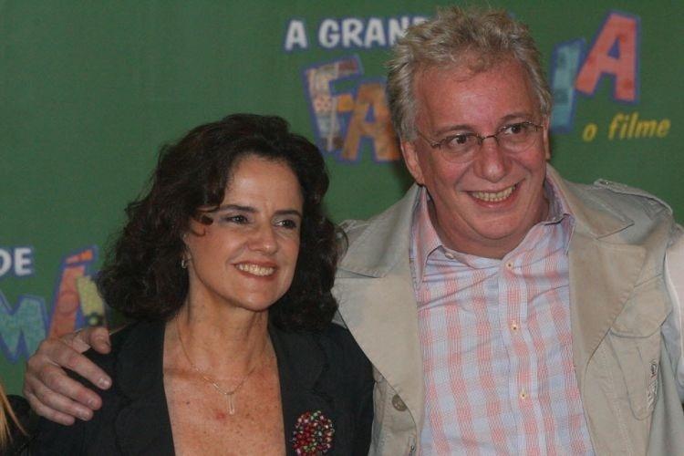 """Marieta Severo e Marco Nanini em coletiva de imprensa do lançamento do filme """"A Grande Família"""", em Rio de Janeiro (2007)"""