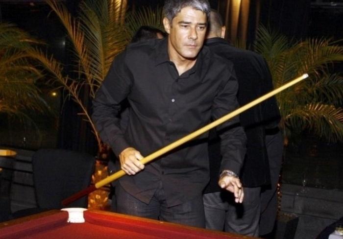William Bonner no aniversário de Regina Martelli, no Rio (1/3/10)