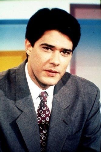 """William Bonner no comando do """"Jornal Nacional"""" em 1996, ano em que entrou no programa da TV Globo"""