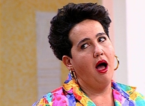 """A atriz ganhou grande notoriedade no papel de Edileuza, em """"Sai de Baixo"""", exibido pela TV Globo em 1996. Claudia Jimenez fazia uma empregada doméstica pra lá de folgada no seriado"""