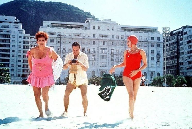 """As atrizes Claudia Jimenez e Marieta Severo e o ator Antonio Fagundes em cena no filme """"O Corpo"""", de 1991"""