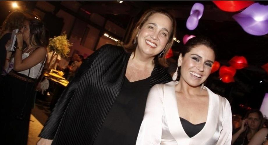 """Claudia Jimenez e Giovanna Antonelli na festa de lançamento da novela """"Aquele Beijo"""", no Rio (11/10/2011)"""