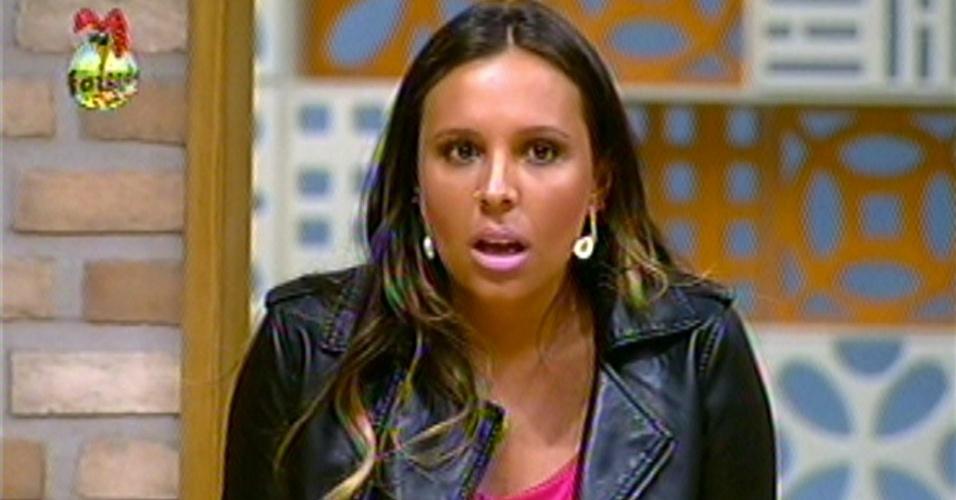 Para a surpresa de todos os confinados, a assessora de imprensa Angelis Borges teve a maioria dos votos do público para continuar na