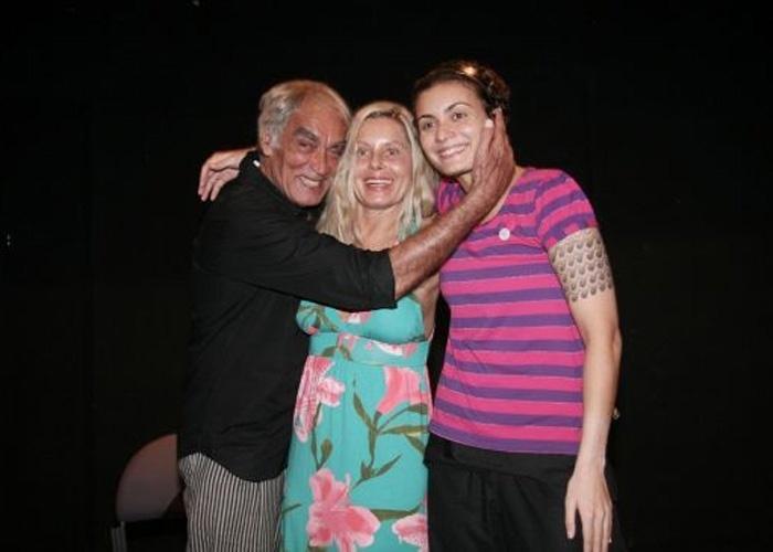 Ao lado de ex-marido Perry Sales e da filha Rafaela, Vera participa do Ciclo de Leituras da Casa da Gávea (Novembro/2008)