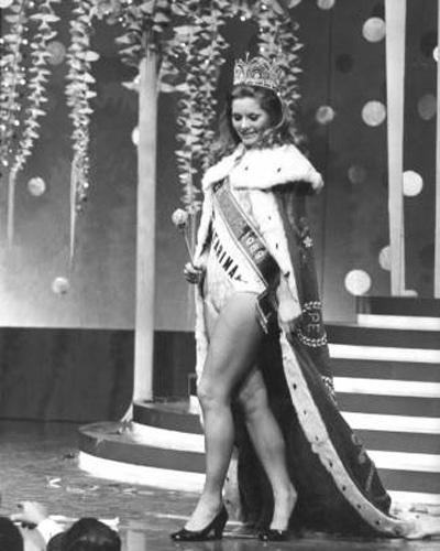 Aos 18 anos, Vera venceu o concurso de Miss Brasil, no Maracanãzinho, Rio de Janeiro (1969)