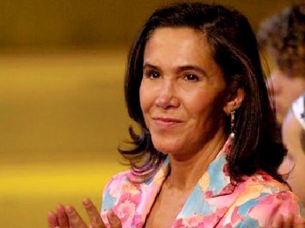Com 63 anos, Florinda Meza continua ativa na carreira artística como atriz, diretora, escritora e produtora de telenovelas.