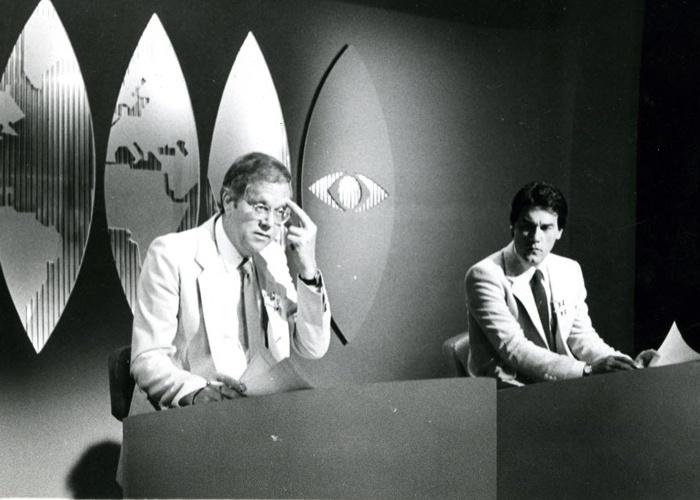 """Comentarista econômico respeitado no jornalismo brasileiro, Joelmir Beting era um dos principais nomes da editoria de economia do """"Jornal Nacional"""" (1982)."""