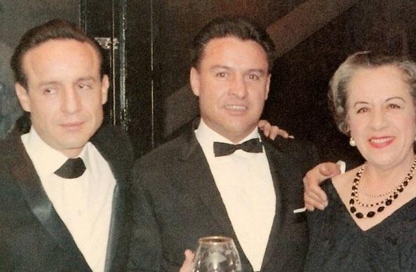 Horácio Gómez Bolaños era irmão de Roberto Gómez Bolaños. Esta imagem do arquivo pessoal de Bolaños mostra os dois participado de uma festa.
