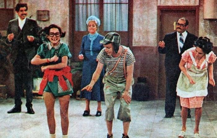 Imagens mostram os bastidores de 'Chaves', na década de 70