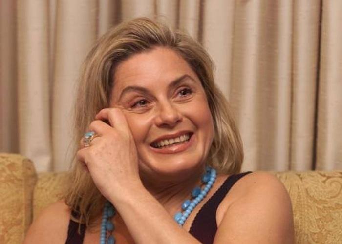 """Logo após o lançamento da """"Playboy"""", Vera parecia mais gordinha em entrevista coletiva no Rio de Janeiro (Janeiro/2000)"""