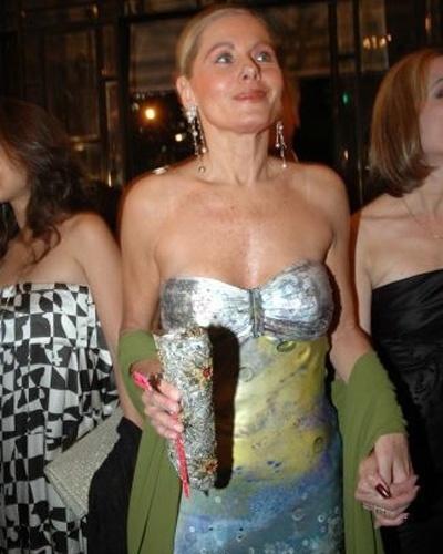 No edição 2008 do prêmio Multishow, a atriz usou um vestido pintado a mão (Julho/2008)
