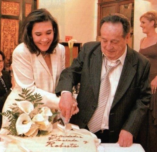 O casal Florinda Meza e Roberto Gómez Bolañoz está junto desde 1978, mas os dois se casaram apenas em 2004 (foto), em uma cerimônia seguida de uma grande festa na Cidade do México