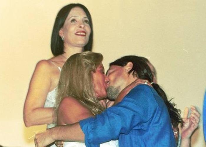 Para brindar a chegada de 2002, Vera dá um beijão em Murilo Rosa no RJ (Janeiro/2002). Os dois namoraram por 4 meses