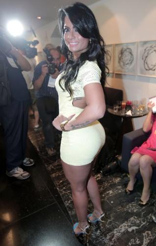 30.nov.2012 - A modelo Dani Sperle também fez parte da mesa de jurados do Miss Bumbum 2012