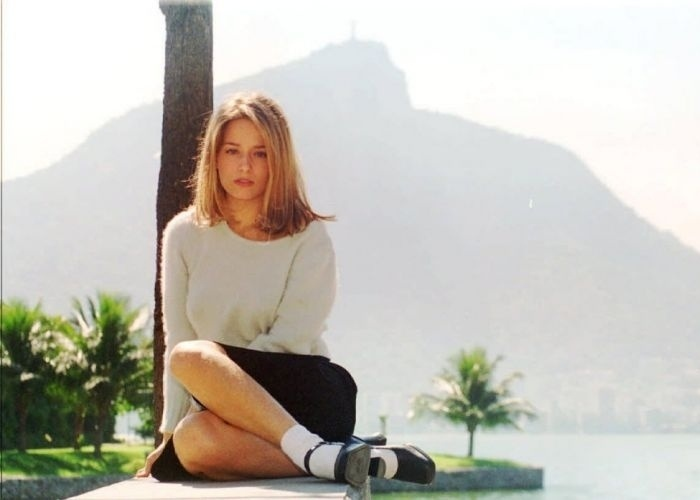maio de 1996 - Luciana Vendramini posa na Lagoa Rodrigo de Freitas, Rio de Janeiro.