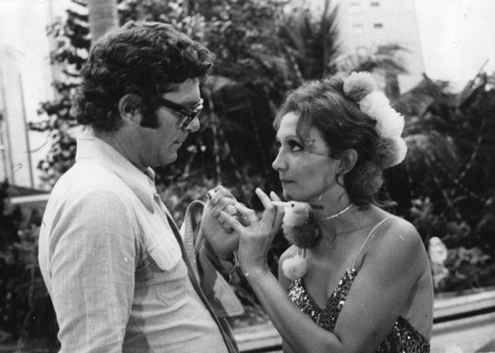"""Carlos Zara e Eva Wilma fizeram par romântico em """"Mulheres de Areia"""", exibida na TV Tupi em 1973. Na trama, a atriz fazia as gêmeas Ruth e Raquel"""