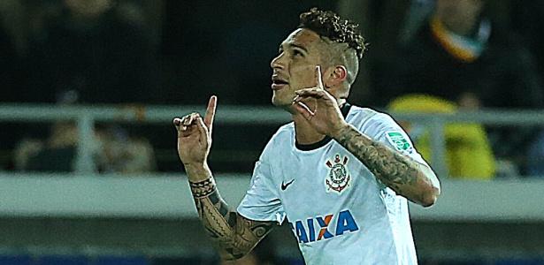 Atacante Guerrero comemora gol do Corinthians contra o Chelsea, da Inglaterra,