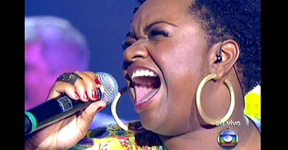 "16.dez.2012 - Ellen Oléria canta ""Taj Mahal"", de Jorge Ben Jor, na final do ""The Voice Brasil"""