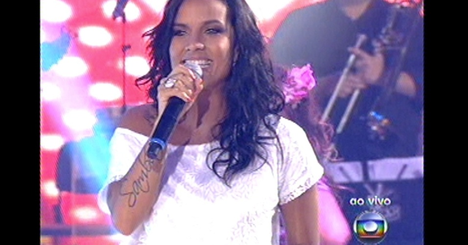 16.dez.2012 - Ju Moraes, do time de Claudia Leitte, se apresenta no 'The Voice Brasil'