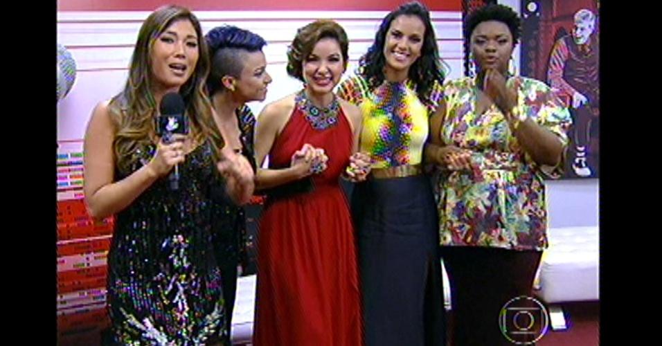 """16.dez.2012 - Nos bastidores do """"The Voice Brasil"""", finalistas aguardam decisão do público"""