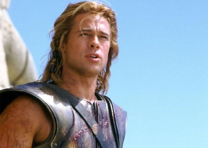 Em Tróia (2004), Brad Pitt é Aquiles, o maior herói da Grécia