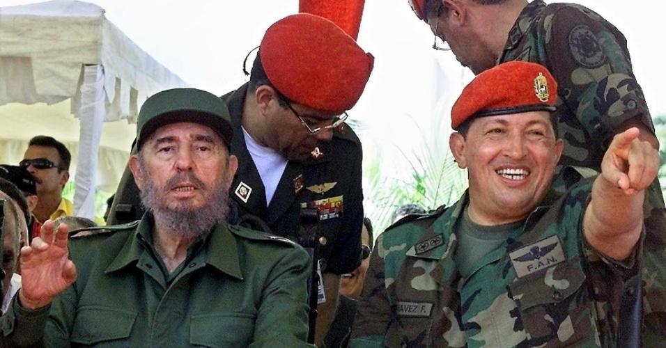 2001 - Apoiado pela Lei Habilitante, aprovada pelo Congresso, Chávez passou a governar a Venezuela por decreto
