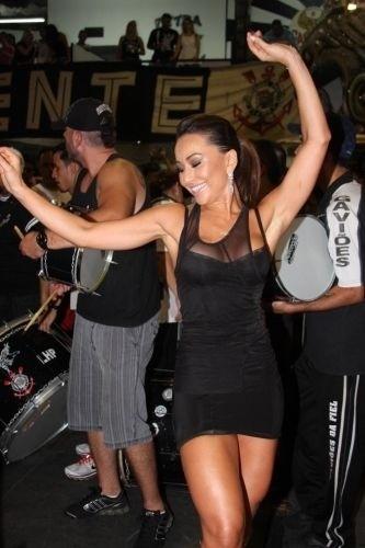 10.dez.2010 - Sabrina Sato vai ao ensaio da Gaviões da Fiel em São Paulo