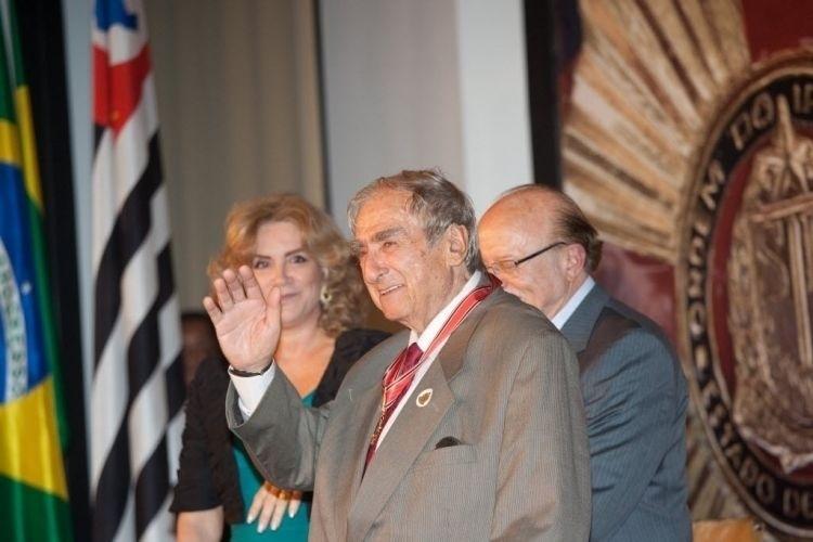 9.dez.2010 - Elias Gleizer foi condecorado com a Ordem do Ipiranga, um prêmio destinado a personalidades que prestaram contribuição ao país e ao Estado de São Paulo. A honra foi entregue pelo então governador Alberto Goldman