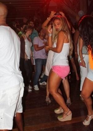 5.jan.2013 - Valesca Popozuda dançou muito na festa de aniversário de Renatinho da Bahia, ex-integrante do É o tchan, no Rio de Janeiro