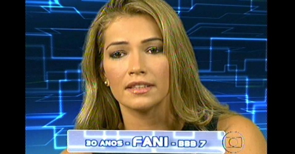8.jan.2013 - A sister Fani é outra participante que ganhou uma segunda chance dentro do reality show