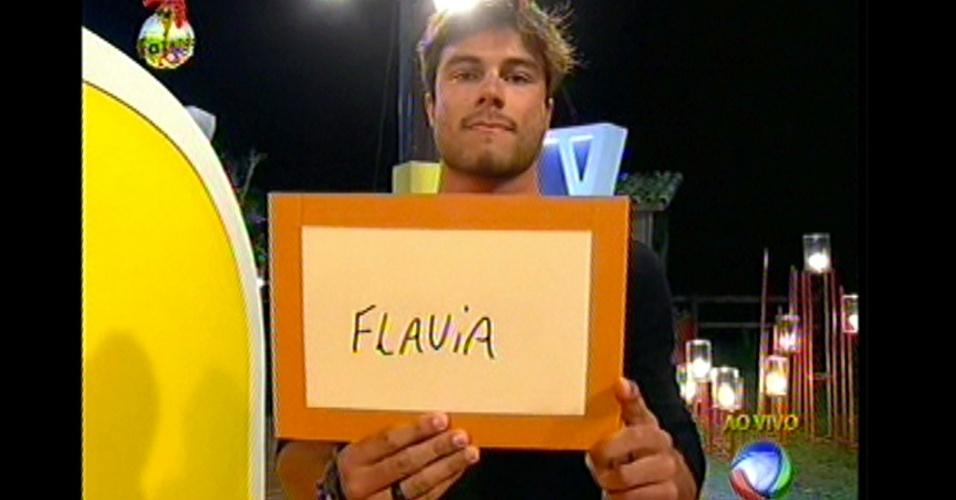Victor decidiu colocar Flávia e Manoella na roça