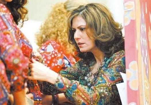 """28.jun.2006 - A atriz Patricia Pillar como a estilista Zuzu Angel durante o filme """"Zuzu Angel"""", de Sérgio Rezende"""