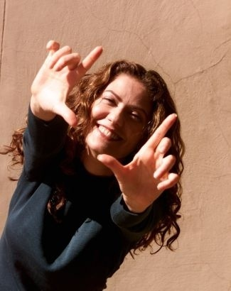 """2.jun.2000 - A atriz Patrícia Pillar durante entrevista à """"Folha de S. Paulo"""", no Rio de Janeiro"""