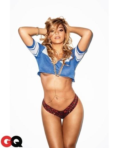 """17.jan.2013 - Beyoncé foi eleita a mulher mais sexy do século 21 pela revista americana """"GQ"""". A cantora estrela a edição de fevereiro da publicação. O ensaio foi feito na casa da beldade"""