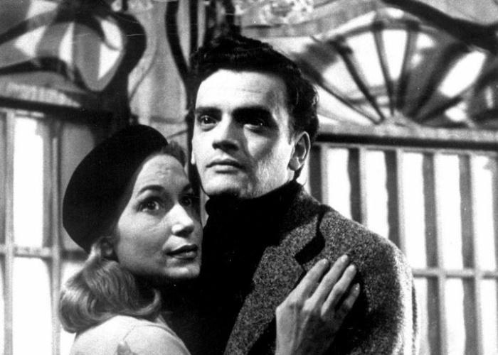 """1956 - Cleyde Yáconis e Walmor Chagas em cena da peça teatral """"Eurídice"""", do francês Jean Anouilh, no Teatro Brasileiro de Comédia"""