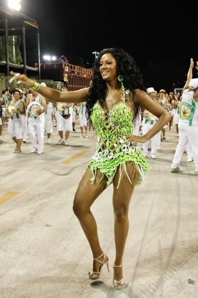 6.Jan.2013 - Camila Silva, rainha da bateria da Mocidade Independente de Padre Miguel, participa do ensaio técnico da escola na Marquês de Sapucaí, no Rio de Janeiro