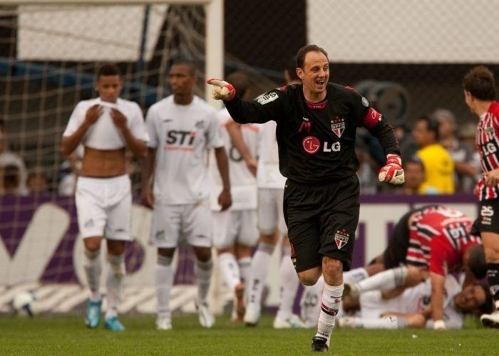 Resultado de imagem para Rogério Ceni marca e São Paulo vence Santos na Vila Belmiro pelo campeonato braisleiro de 2009