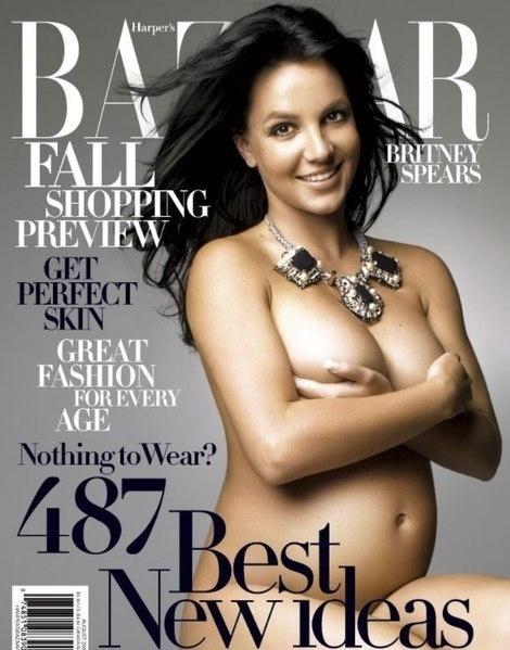 "Ago/2006 - Grávida de seu segundo filho, Jayden James, a cantora Britney Spears foi destaque da revista norte-americana ""Harper's Bazaar"""