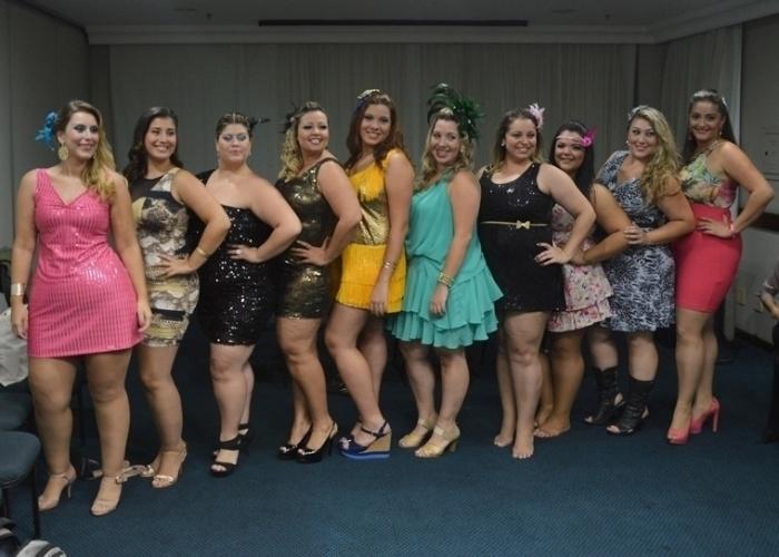 28.jan.2013 - Lígia Alvarez (segunda à esq.) foi eleita Miss Plus Size do Carnaval de São Paulo. Na foto, ela aparece com as demais candidatas ao posto de nova musa GG do Carnaval paulistano