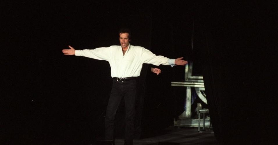 10.jun.1997 - David Copperfield durante apresentação no Ibirapuera, em São Paulo