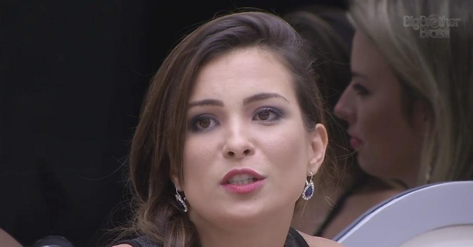 5.mar.2013 - Kamilla fala sobre amizade com Fernanda para Bial