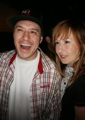 O cantor Chorão e a estilista Graziela Gonçalves, durante festa de aniversário do apresentador Marcos Mion em 2007