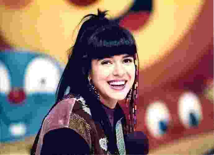 """Nascida em 6 de março de 1968 em Itapetinga (BA), mas registrada somente um ano depois, Mara Maravilha completa 47 anos nesta sexta-feira (6.mar.2015). A apresentadora e cantora fez sucesso nas décadas de 80 e 90 no SBT, onde trabalhou por sete anos seguidos e apresentou seu programa de maior sucesso, o infantil """"Show Maravilha"""". Em entrevista ao BOL, ela, que hoje se dedica à carreira como cantora gospel, revelou que """"já nasceu uma artista e que sempre gostou de cantar"""" - Divulgação"""