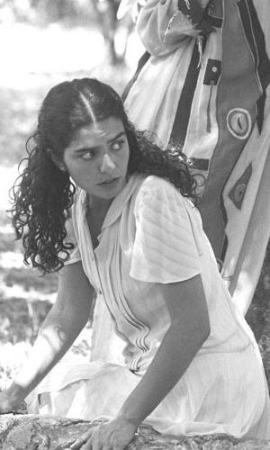 """9.jan.1995 - Sua primeira novela foi """"O Dono do Mundo"""", em 1991, e, quatro anos depois, em 95, viveu seu primeiro personagem de destaque, a Lara do remake de """"Irmãos Coragem"""""""