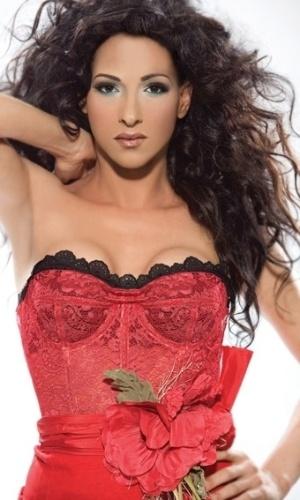 Dana International, 41, fez a cirurgia de readequação sexual em 1993, em Londres. Depois disso, ganhou os palcos e é considerada uma das estrelas da música israelense